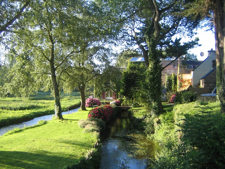 cottage Ouessant in Kerellec watermill 2km beaches