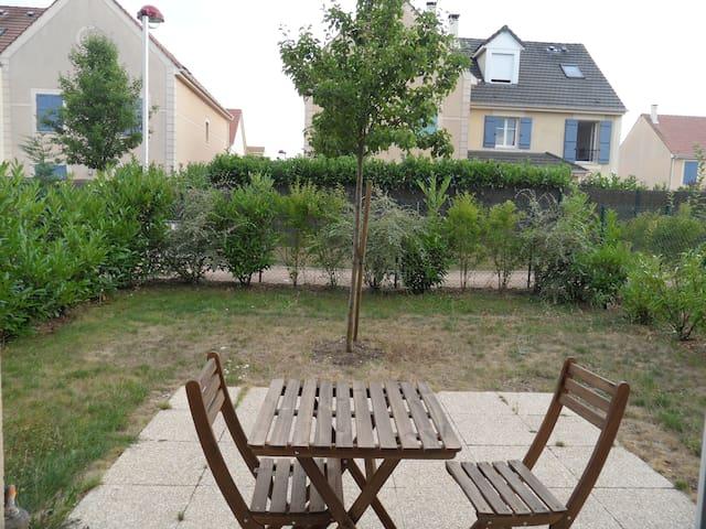 Logement T2 avec jardin à Maurepas - Maurepas - Apartament