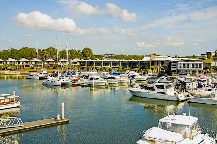 'Coomera Quays' Gold Coast. Transport. Waterside.