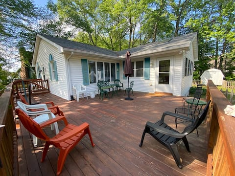 3BR House 2.5 mi to BB. Cable, WiFi, Parks 4 cars