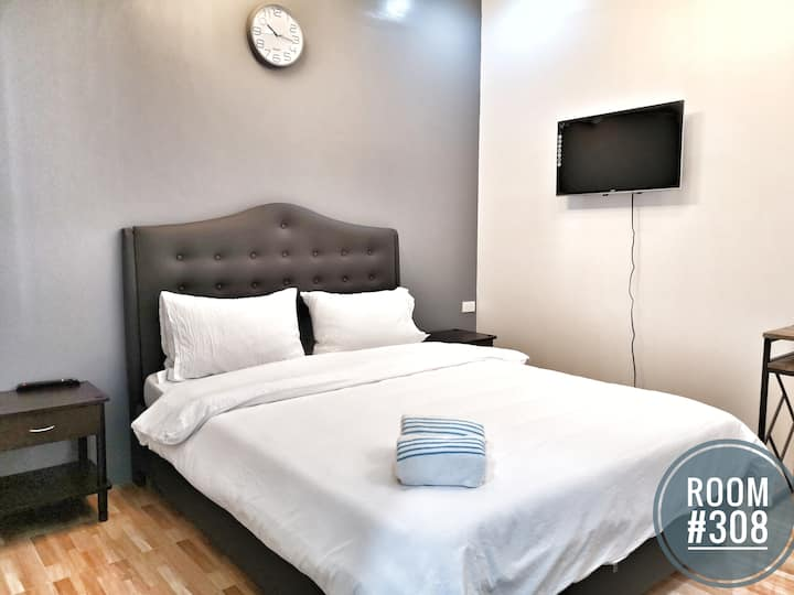 New KONG'S Hotel Queen Suite Room #308