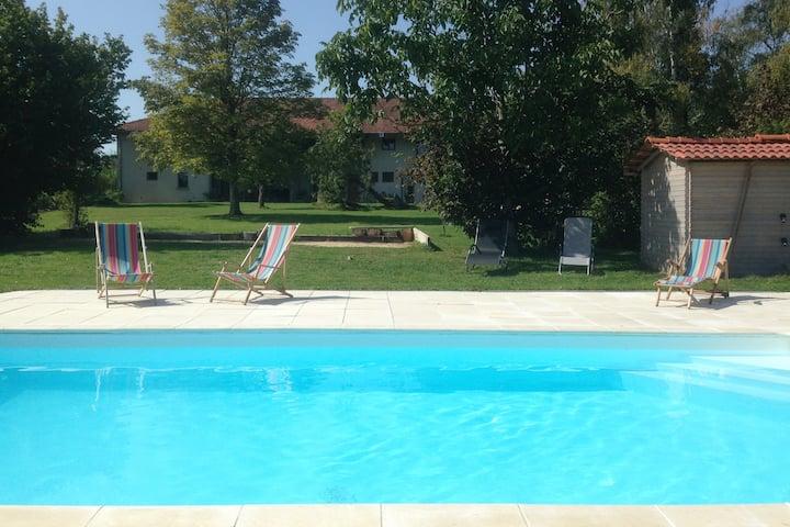 Gite 3 épis, au calme, piscine, grand parc arboré
