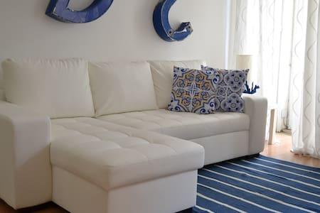 5LX - LowCost Apartments - Chiado-Bairro Alto - Lizbona - Apartament