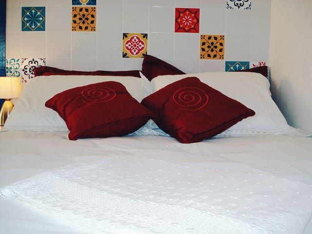 En suite bedroom ★A/C★ Nearby Christ the Redeemer