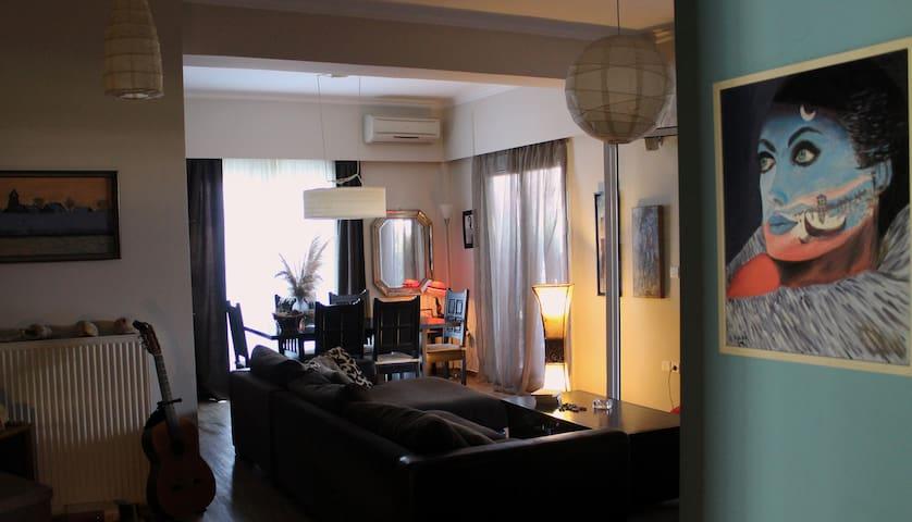apartment with big veranda near center &University - Πάτρα - Lägenhet
