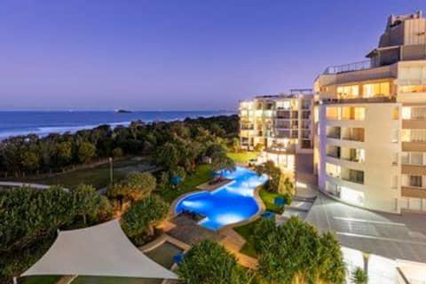 Marcoola Beach RESORT STUDIO with ocean views