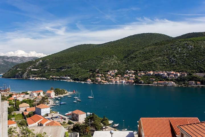 Pleasant place with a beautiful view, Niki - Mokošica - Appartamento