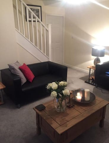 Fully furnished bright Double room in Rochdale