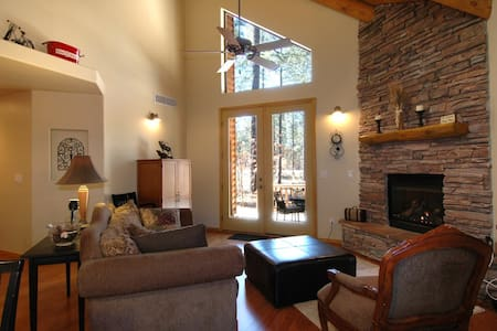 Luxury Cabin in peaceful setting, close to lakes, hiking and Sunrise Ski resort - Pinetop-Lakeside