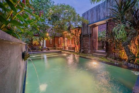 Hidden Tropical Villa w Pool - NusaDua 10min drive