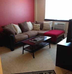 1 bed apt in trendy East Side - Milwaukee - 公寓
