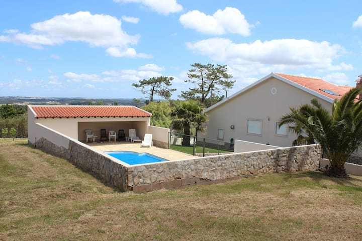 Private villa, beautiful gardens, near the beach - A dos Cunhados