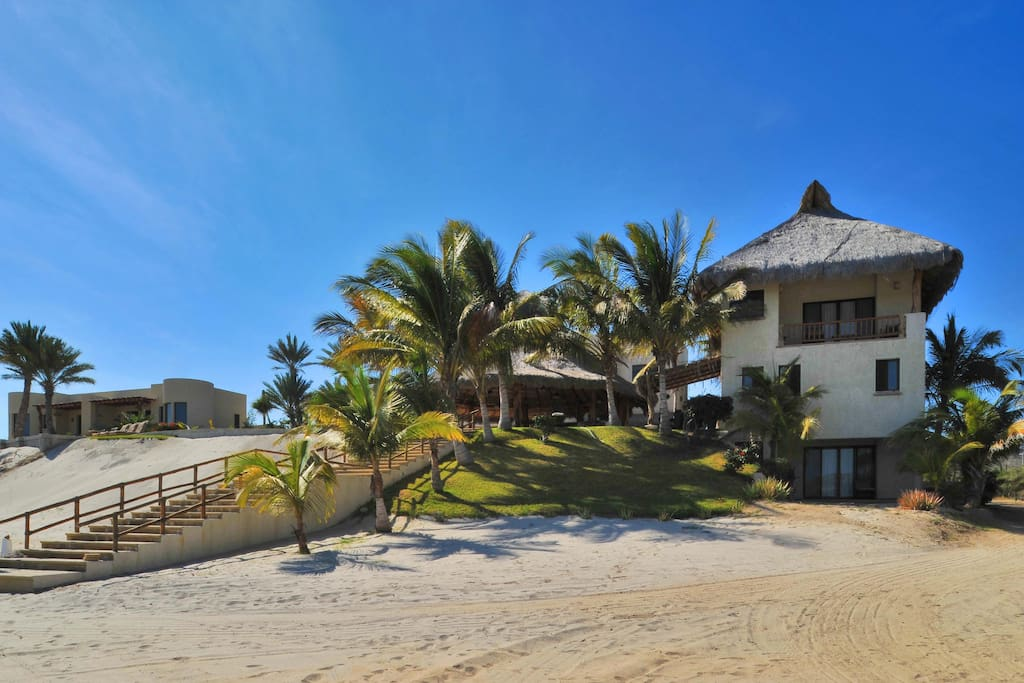 Beach Access from 'Villa Marlin'