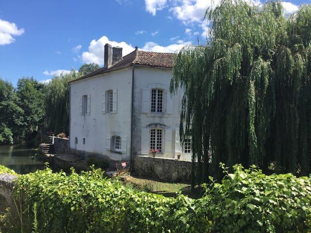 Maison Du Pont: Riverside B+B ~ Bedroom 2 ~Le Pont - La Rochebeaucourt-et-Argentine