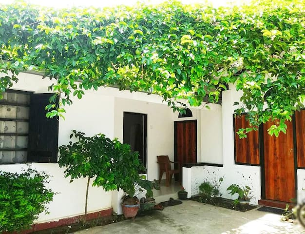 Neberbeen to 20 House Arugam | DBL Room 1