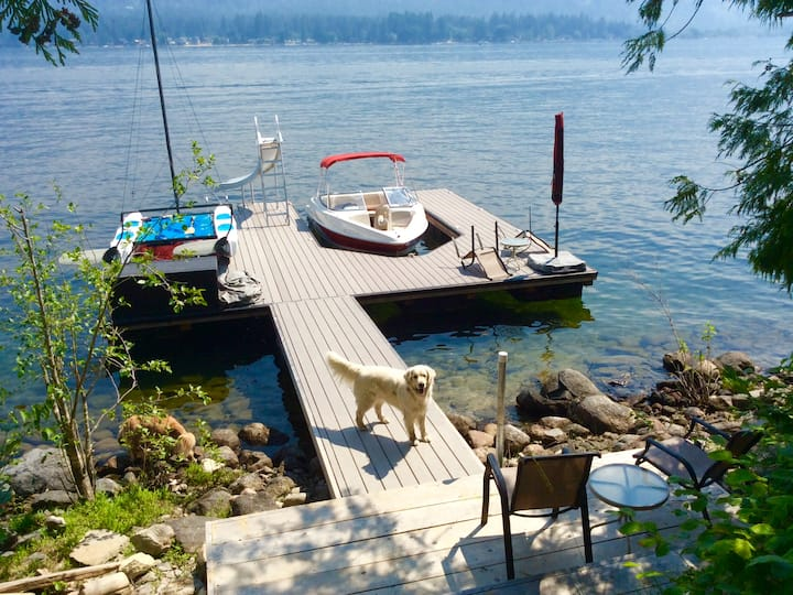 Partial lake view, waterfront access! Sparkling!