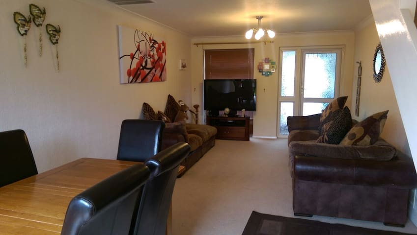 Self Catering mid terrace 3 bed house - Fleet - House