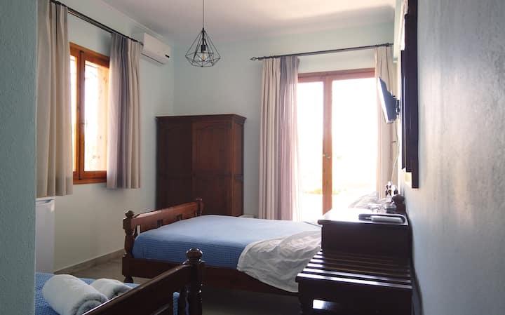 Fistiki Rooms No#2