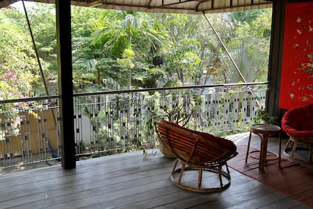 Studio with private terrace in Wooden House - Phnom Penh - Bed & Breakfast