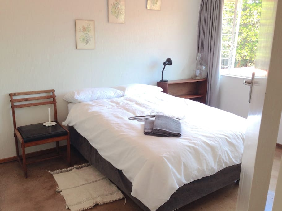 Guest bedroom 1 - double bed