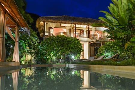 Oriental style Villa & shared  pool