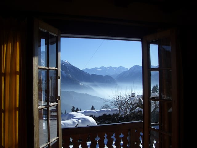Charming Chalet with stunning view