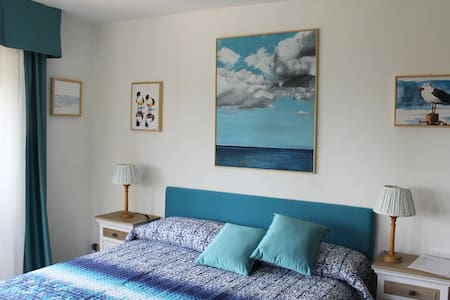 Suite Blue Double Bed Room