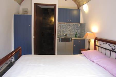 A double room in the Castle - Monemvasia - Studentrum