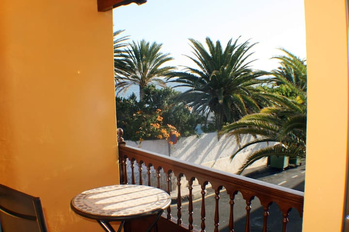 Beach/seafront house, terrace south, patio, WIFI - Alcalá - Ev