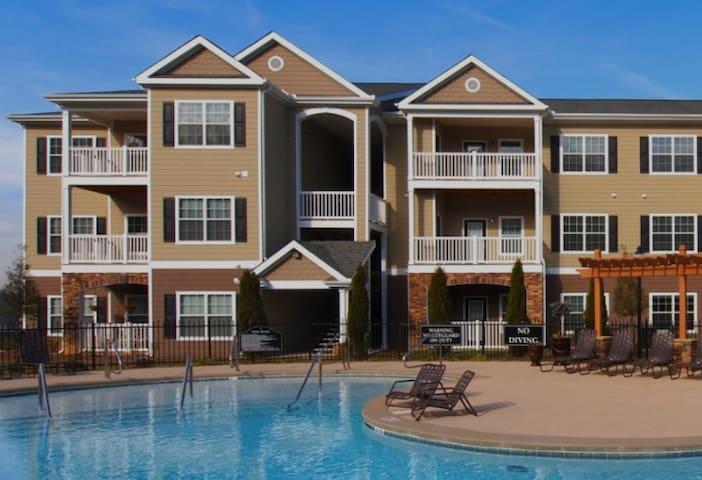 Modern North Knoxville apartment - Ноксвилл - Квартира