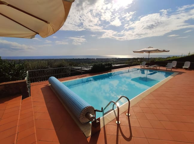 House for 8 People, WIFI, private pool, sea view, pets allowed, near Forte dei Marmi, wonderful