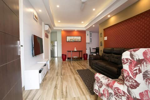Penthouse with 2 bed, 2 bath, kitchen and living