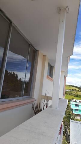 Alejado de Quito, frontera sur