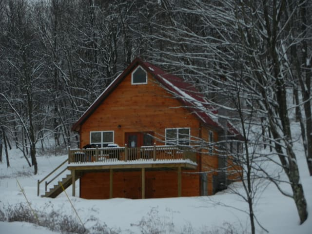 Hideaway Hollow Cabin a Perfect Couples Retreat