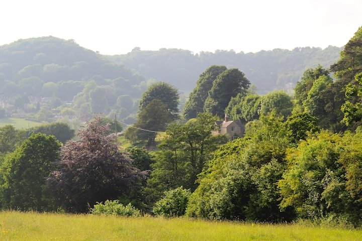 Marlings End - Cotswold house, beautiful gardens