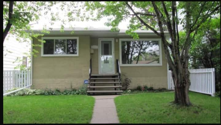 Sleeps 8! 4 beds, 2 baths, 2 kitchens and laundry!