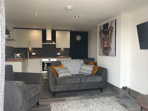 Mumbles - New apartment with panoramic sea views