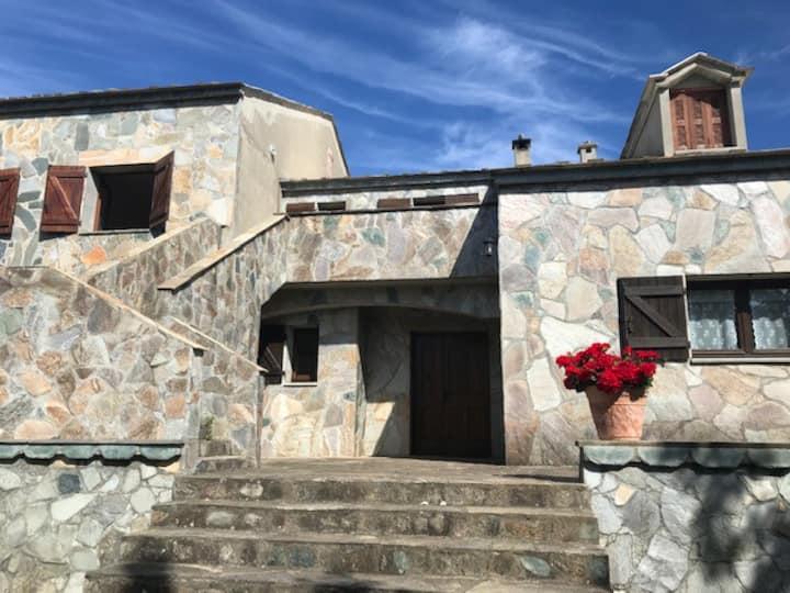 Villa Paradincu à Loreto di Casinca