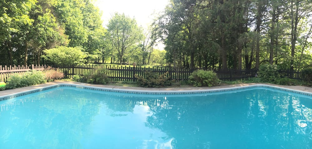 Gorgeous 5BR Farm Home w/ In-ground Pool & Privacy - Deansboro - Ház