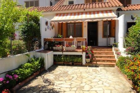 house in Cubelles - Haus