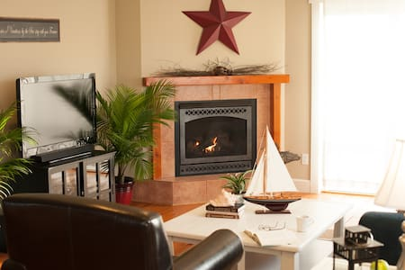 Cozy Harbor Cottage, Whidbey Island - Coupeville