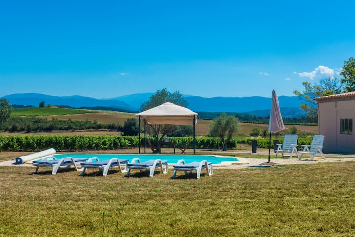 Vineyard cottage 3* private pool beautiful views