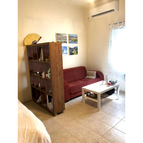 A lovely studio apartment on Dizengoff st.