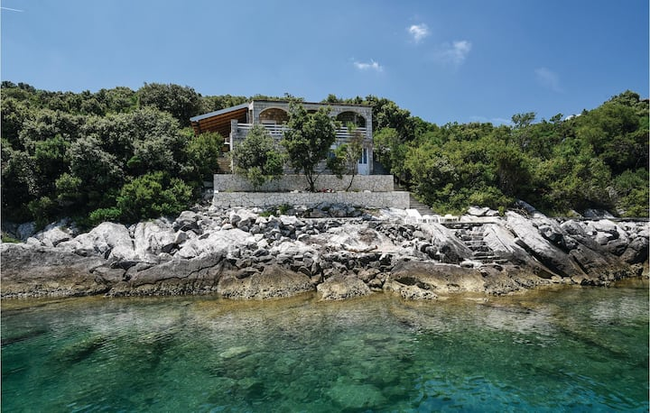 Stunning home in Osobjava with 3 Bedrooms