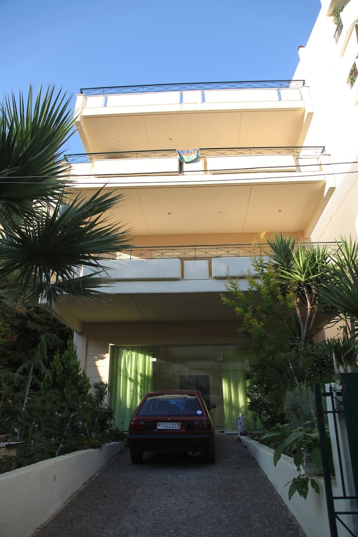 Large Apartment 3rd floor Glyfada