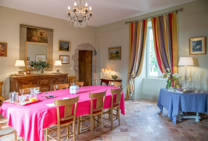 Chambre double au Logis du Bourg - Le Tablier - Bed & Breakfast