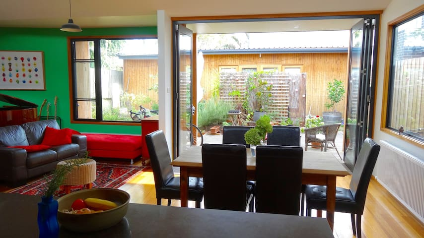 Renovated 3-bedroom house in popular Abbotsford - Abbotsford