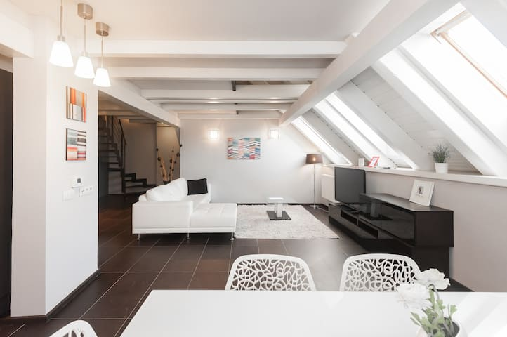 Design flat 5' Wenceslas Sq.