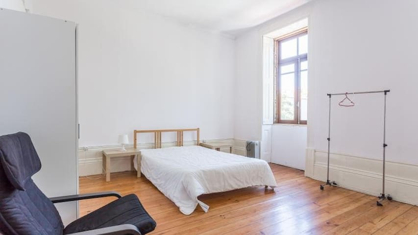 Big and lovely bedroom close to the city centre!!! - Porto - House