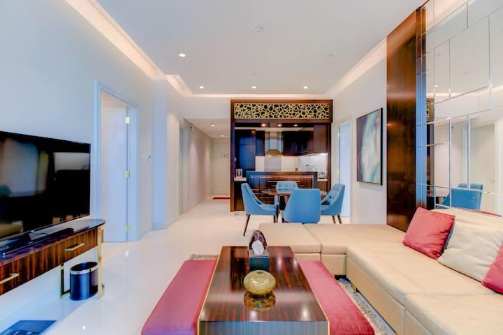 Luxurious 2BR Close to Burj Khalifa and Dubai Mall